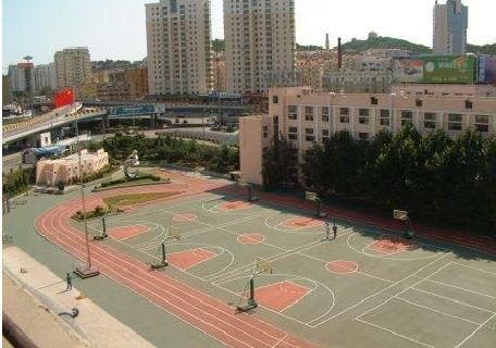 山东省青岛第十九中学是一所省教育厅重点联系学校