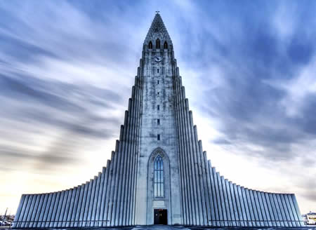 5米,是冰岛第四高的建筑,以冰岛著名文学家家雷克雅未克-帕特森(1614