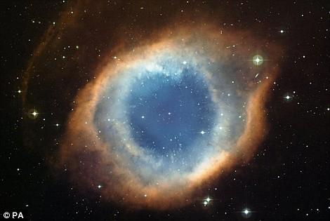 """""""上帝之眼"""",螺旋星云 由哈勃望远镜拍摄"""