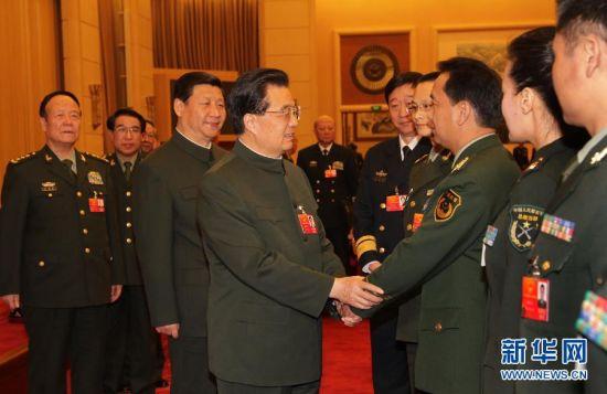 胡锦涛:坚持党对军队绝对领导