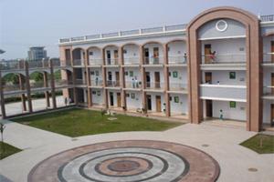 山东省/临淄外国语实验学校,是2002年创办的股份制初级民办中学,校园...
