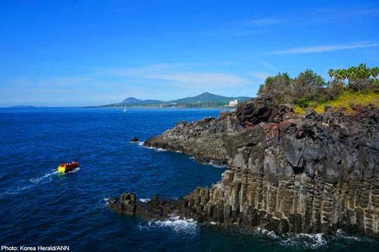 漫步海岸线 流连韩国济州岛最美步道