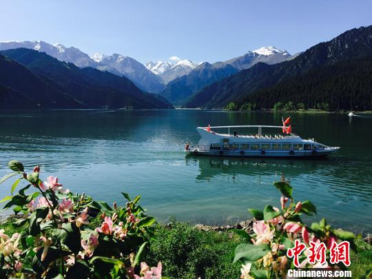 新疆天山天池公布2017年38项旅游活动 6大项优惠政策